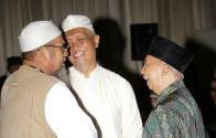 Subhanallah, Muktamar Tokoh Umat (MTU) 1437 H, Mempertemukan Tokoh yang Lama Berpisah Dengan Sahabatnya