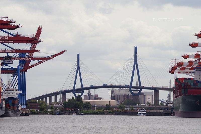 Köhlbrandbrücke Hamburg // Köhlbrand Bridge Hamburg