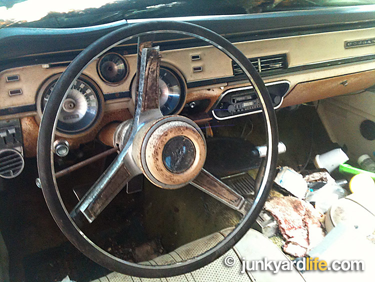 junkyard life classic cars muscle cars barn finds hot rods and part news. Black Bedroom Furniture Sets. Home Design Ideas