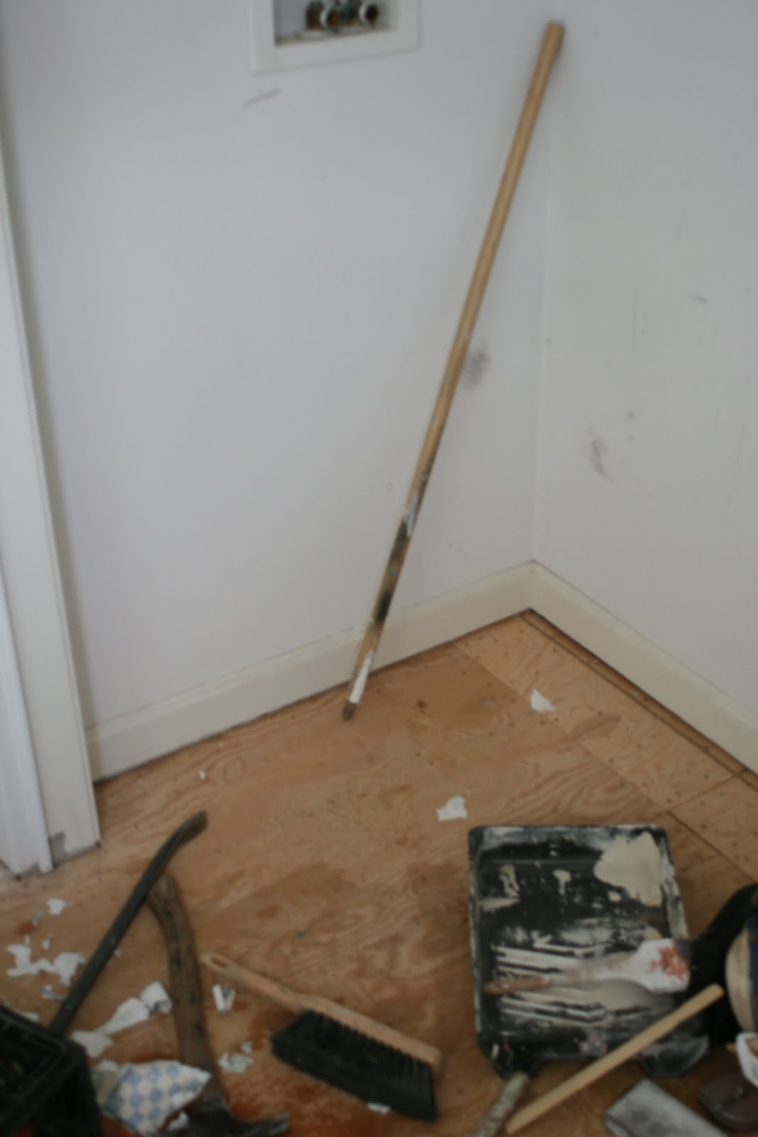 Bathroom Reno Day 1in pictures. 1067 x 1600.Happy New Years Kiss Image