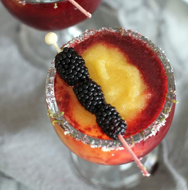 Blackberry Peach Frozen Margaritas #drink #summer