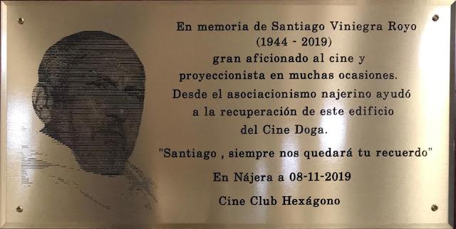 Placa en homenaje a Santiago Viniegra Royo. Ambigú del Cine Doga — Nájera