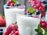 Tangkal Osteoporosis dan Kanker Usus dengan Yoghurt Menurut dr. Lanny Christiawati MS. SpGK