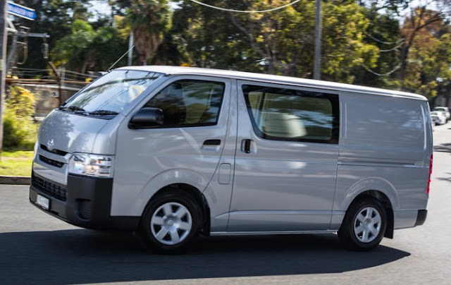 2016 Toyota Hiace Review and Specs