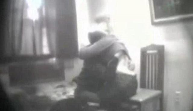 كاميرا تكشف علاقة جنسية بين زعيم مافيا روسي وناشطة في حقوق الإنسان.. فيديو