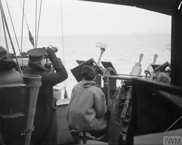 Crew of HMS Beaumaris, 18 January 1942 worldwartwo.filminspector.com