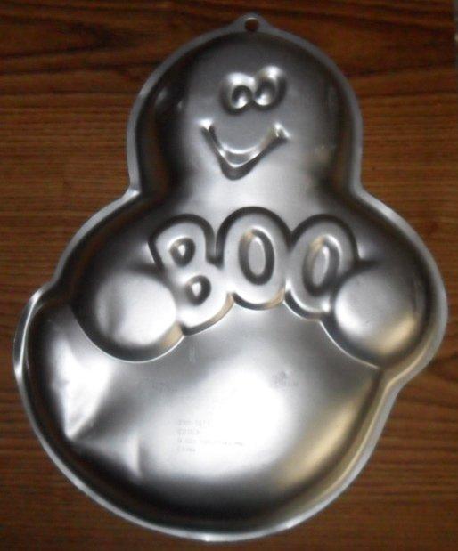 Cast Iron Vintage Halloween-Molded Theme Baking Pan from ...  |Halloween Baking Pans