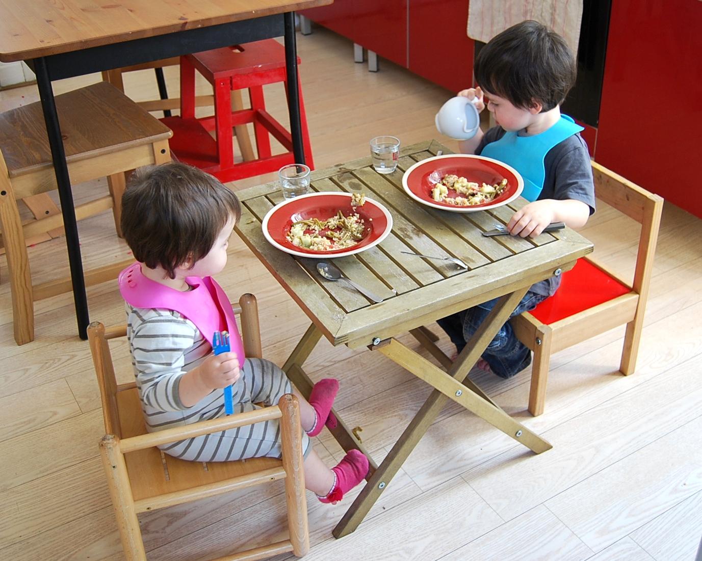 merci qui merci montessori mon enfant ne mange rien. Black Bedroom Furniture Sets. Home Design Ideas