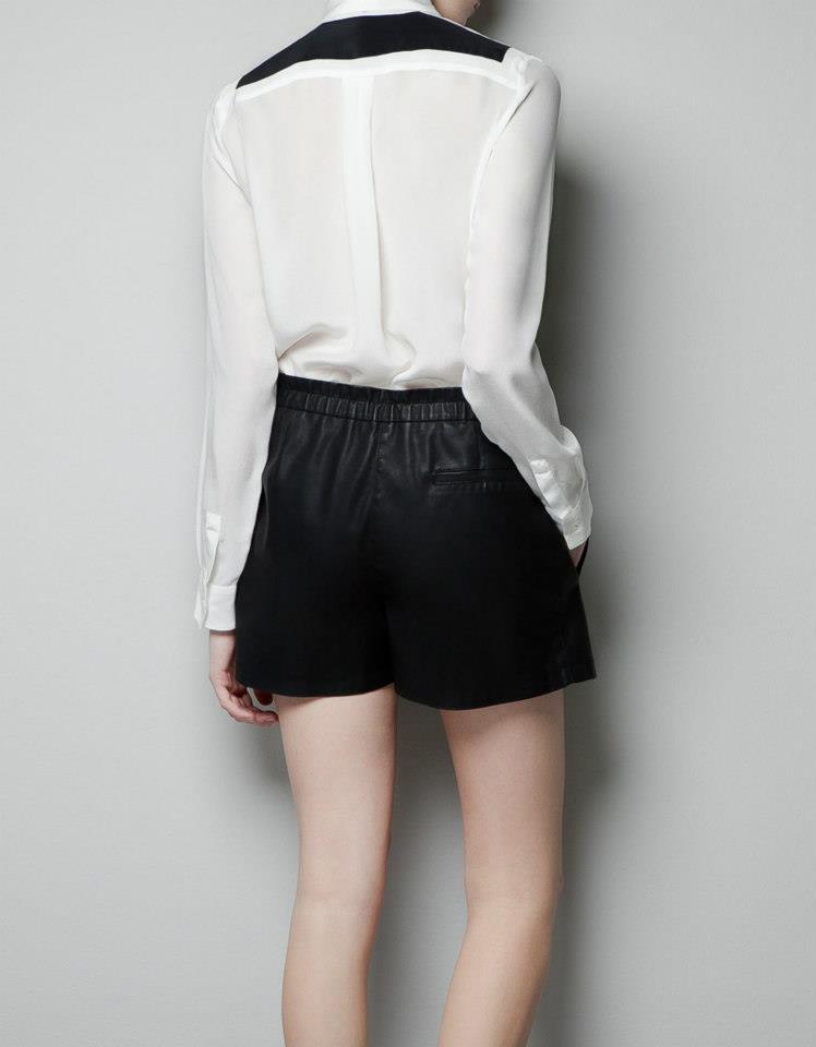c25b1445 S : shoulder 35 bust 88 sleeve 55 length front 59 length back 66. M : shoulder  36 bust 92 sleeve 56 length front 61 length back 69