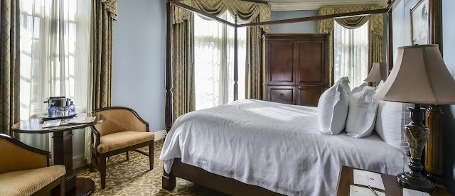 The charm of the Old South meets the intimate style of Europe and the rich history of Mud Island at River Inn of Harbor Town.