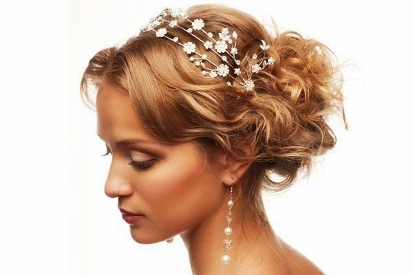 10 Lavish Wedding Hairstyles For Long Hair: Wedding Hairstyles For Long Hair : Vintage Hairstyles
