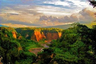 ngarai sianok bukit tinggi sumatra barat