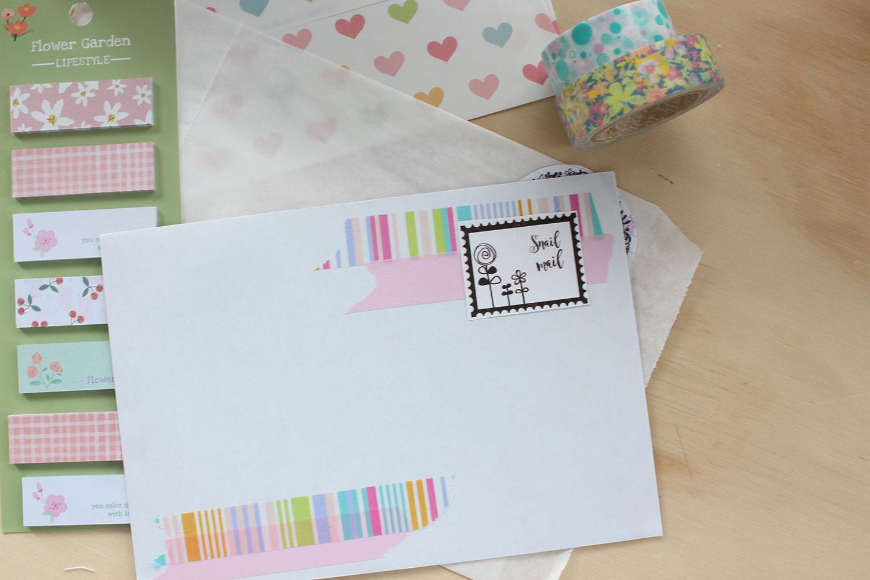 Little hannah decora un sobre son sellos y washi tapes - Como decorar un sobre ...