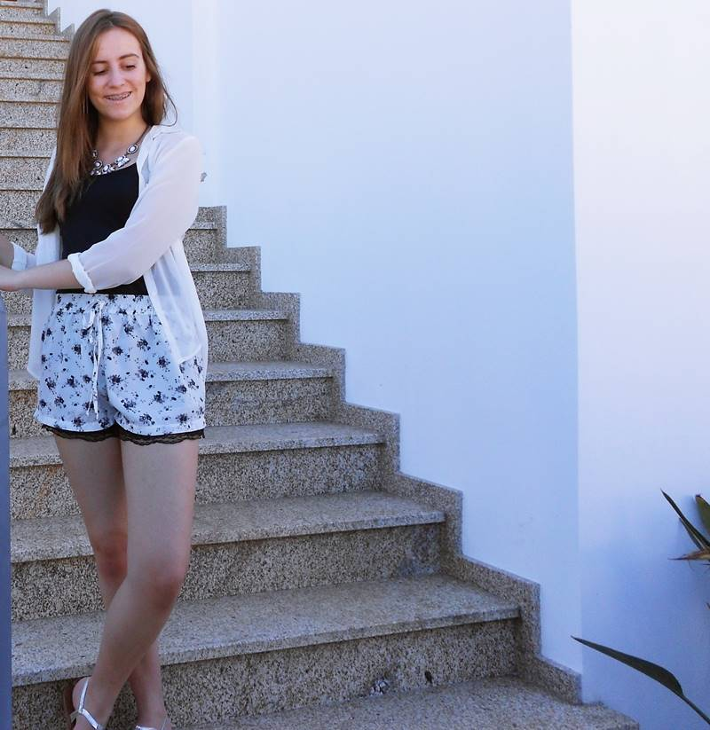 outfit | Floral and lace