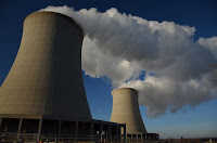 Active cooling towers of the Byron Nuclear Generating Station outside of Chicago. (Credit: Michael Kappel/flickr) Click to Enlarge.