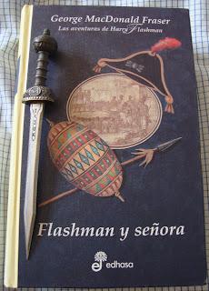 Portada del libro Flashman y señora, de George MacDonald Fraser