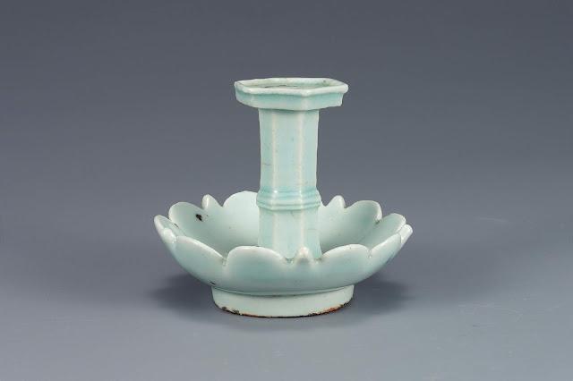 백자 향꽂이(白磁台付香串之), 조선, 국립중앙박물관