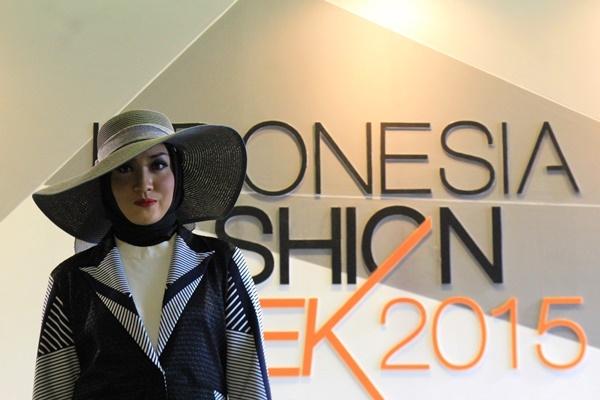 Fashion Show Hijab di Acara IFW 2016 Jakarta Convention Center