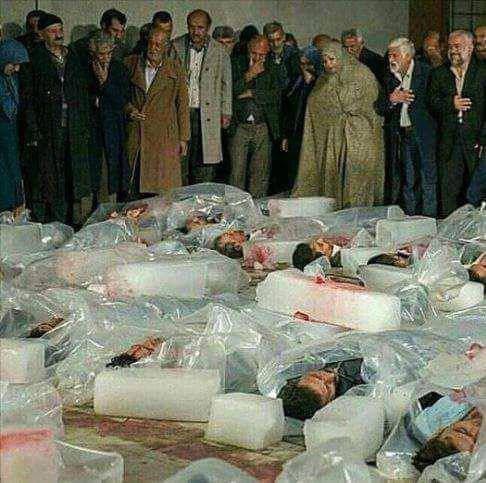 عکسی از زندانیان سیاسی اعدام شده دهه شصت