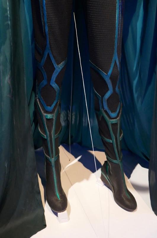 Hela leg costume detail Thor Ragnarok
