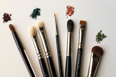 The All-Over Eye Shadow Brush