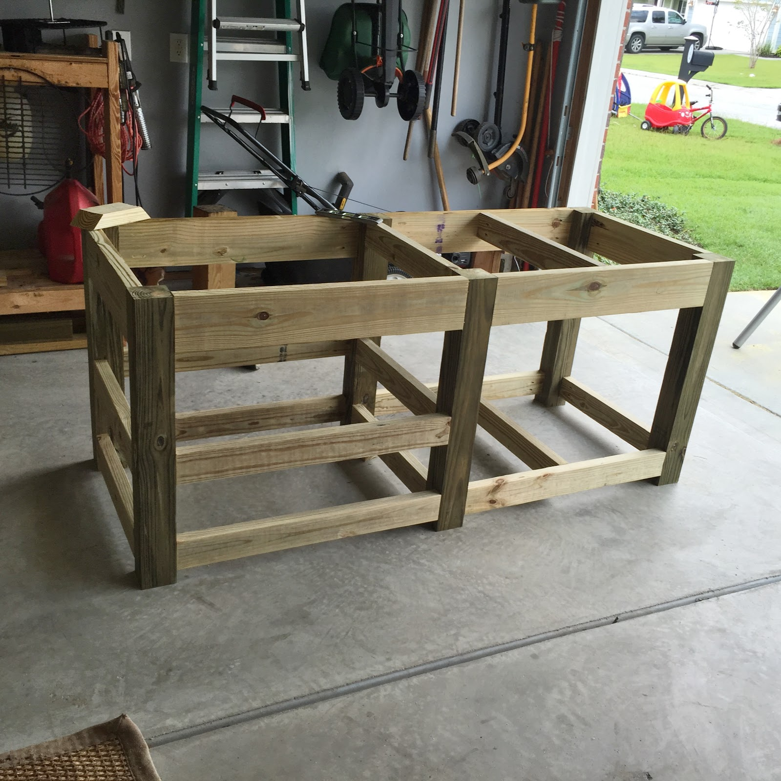 The Lowcountry Lady: Big Green Egg: Concrete Top Table Plans