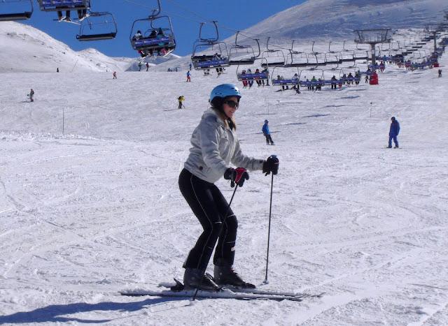 W Sierra Nevada na nartach, na desce a może w bikini