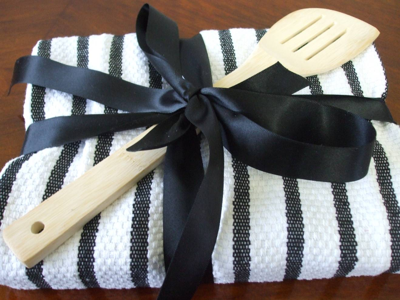 How To Wrap A Wedding Gift: 365 DAYS OF PINTEREST CREATIONS: Day Forty Seven: Gift