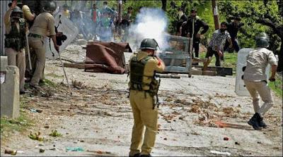 Indian Occupied Kashmir Indian Police Firing 15 Kashmiri