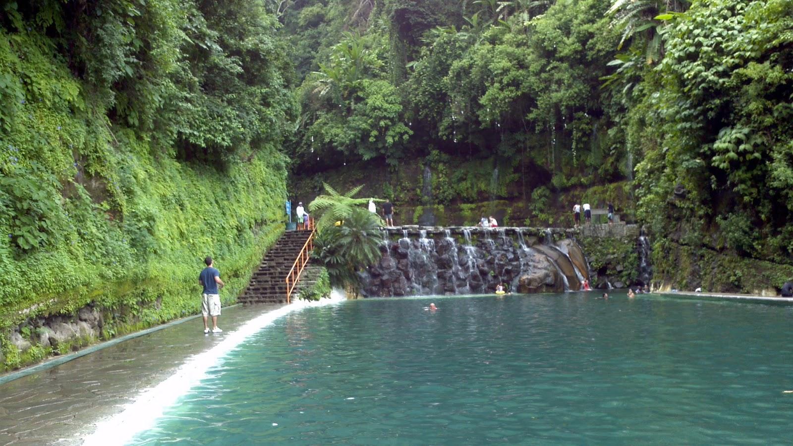 Chorros para piscinas gallery of chorro de cervicales for Chorros para piscinas
