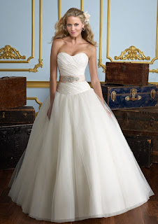 A-line Sweetheart Strapless Neck Champagne Sash Organza Wedding Dresses