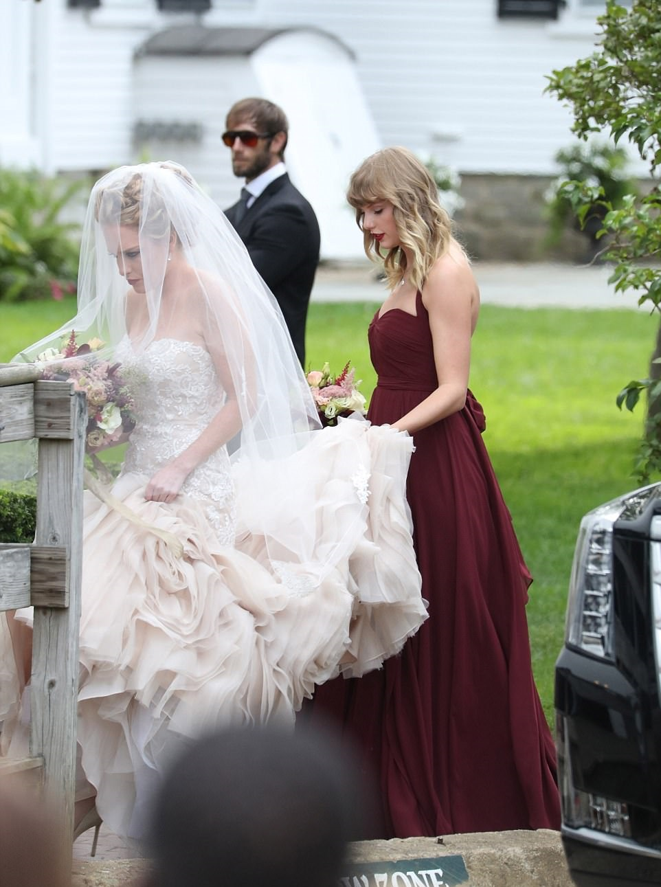 Taylor Swift Was Seen At Her Best Friend Aail Anderson S Wedding On Saay That The Same Who She Went To High School With And Wrote 2009