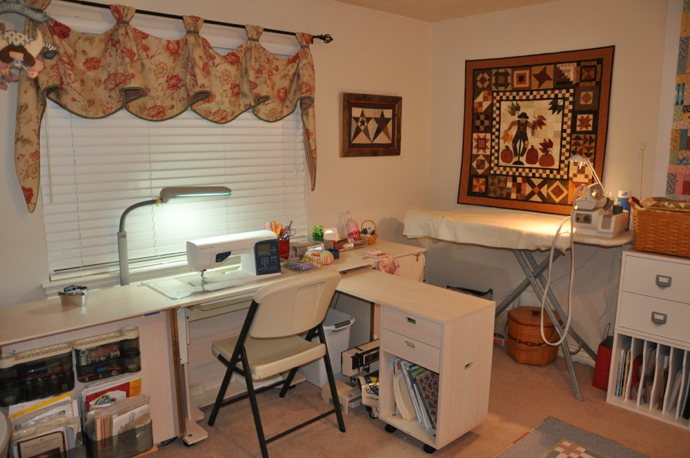Sewing Room Designs: Bitty Bits & Pieces: Sewing Room Makeover