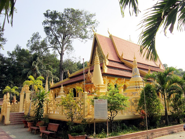 A visit to the land of golden pagodas 1