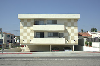dingbat-la-brea-avenue-los-angeles.jpg
