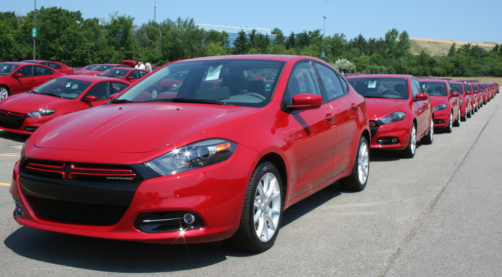 2013 dodge dart lancement en grandes pompes. Black Bedroom Furniture Sets. Home Design Ideas