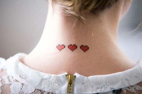 üç kalp dövmesi ense neck three heart tattoo