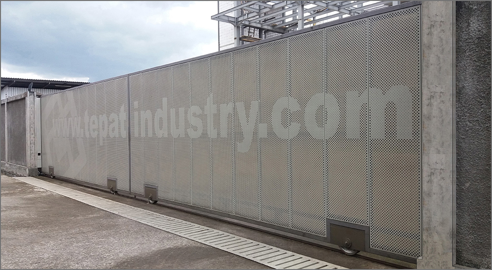 below is one of our sliding gates that has been made
