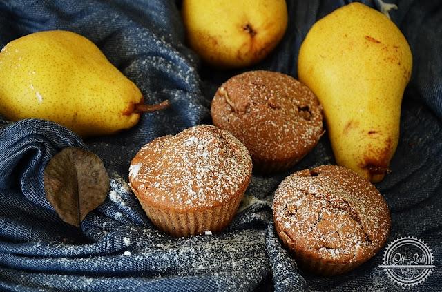 Orkiszowe muffiny z gruszką