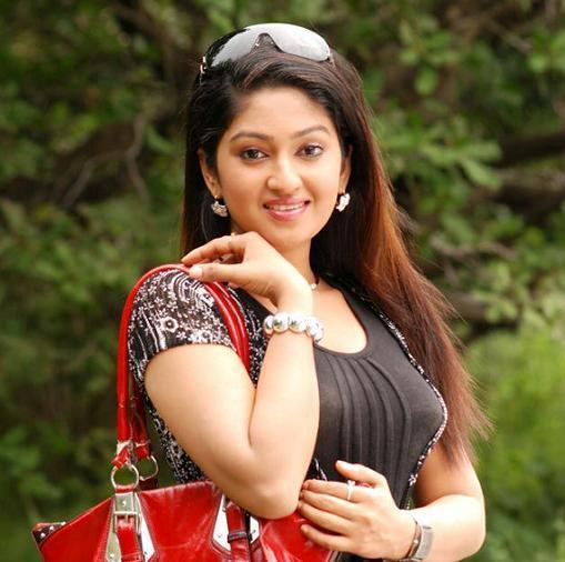 Malayalam actress Mithra Kurian hot images