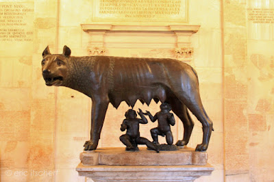 Voyage à Rome, Sculptures, louve, légende, symbole, Rome, photo, musées capitolins, Palais des Conservateurs,