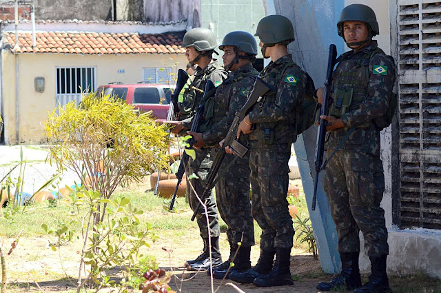 Temer autoriza a entrada de forças armadas nas ruas do Espirito Santo.
