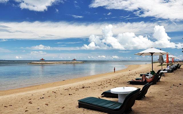 Pantai Sanur Salah Satu Tujuan Wisata Pantai Terkenal Di