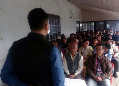 Sabhasad Ratan Kumar Thapa addressing meeting in mungpoo