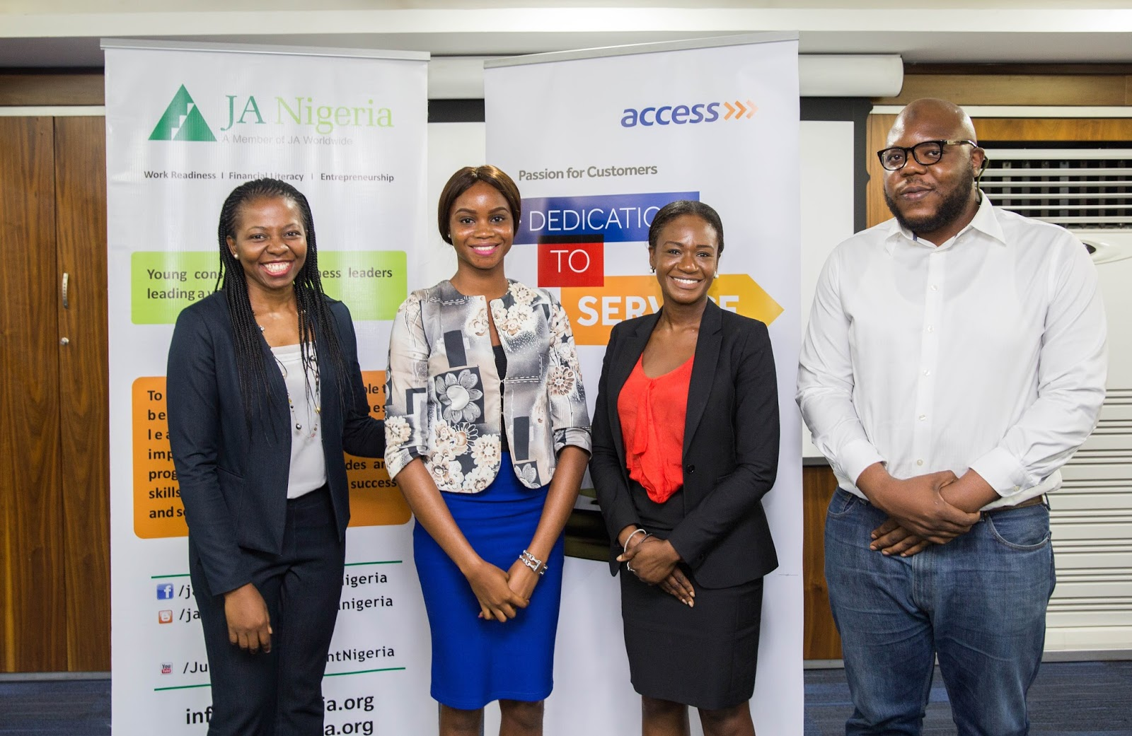 junior achievement ia s youth entrepreneurship essay  l r mrs simi nwogugu executive director jan miss eigbobo michelle 1st runner up 2017 jan iyd essay competition ms olayinka yomi tokosi