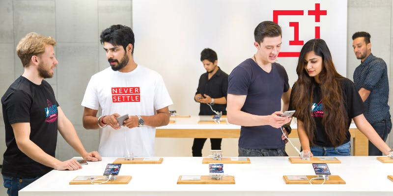 Oneplus Experience store www.tech1english.com