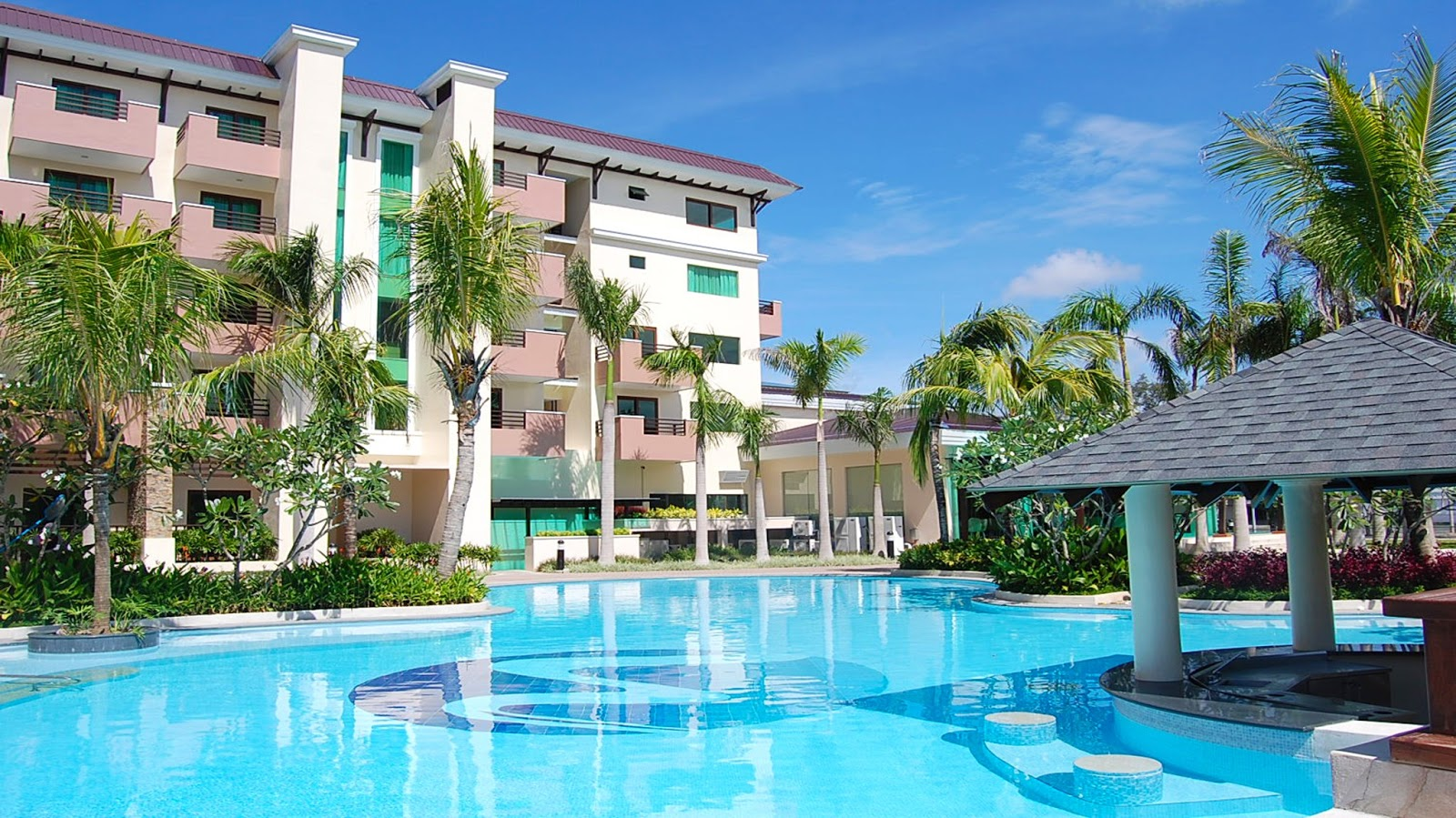 Hotel In Quezon City With Pool