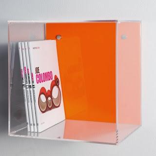 cubi colorati in plexiglass trasparente