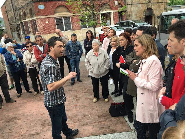 Los vecinos de Burtzeña reclaman a la alcaldesa por la situación de su barrio