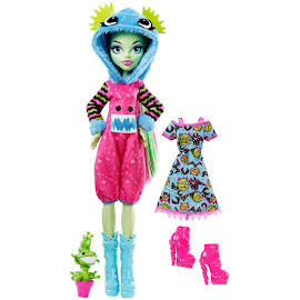 MH Howling Hoodies Venus McFlytrap Doll